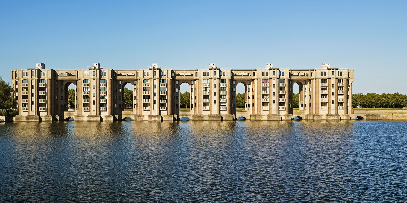 Gallery Of Ricardo Bofill Why Are Historical Towns More Beautiful Than Modern Cities 55 Ricardo Bofill Architecture French Formal Garden