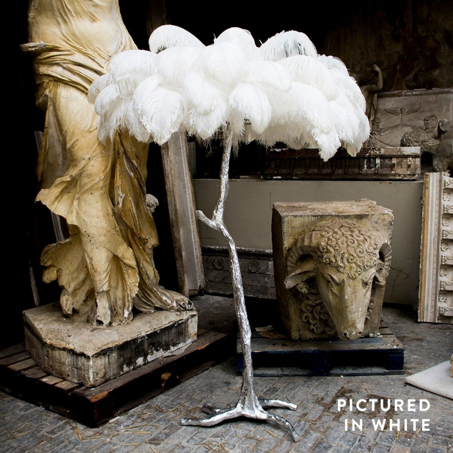 A Modern Grand Tour Ostrich Feather Floor Lamp Silver Base Floor Standing Lighting Mirrors Sweetpea Feather Lamp Silver Floor Lamp Glam Floor Lamps