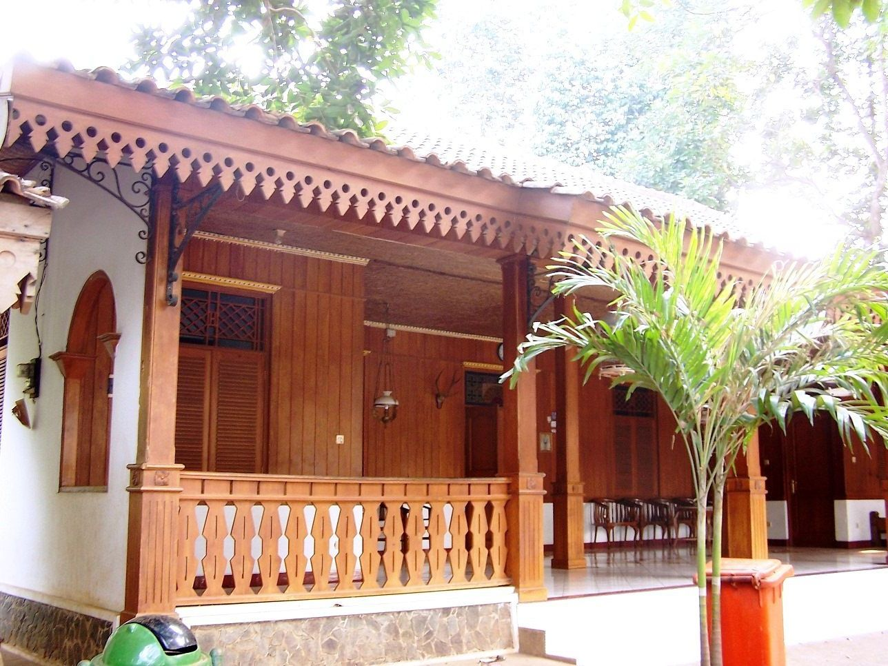 Warna Rumah Joglo