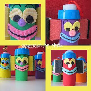 clown con rotoli di carta