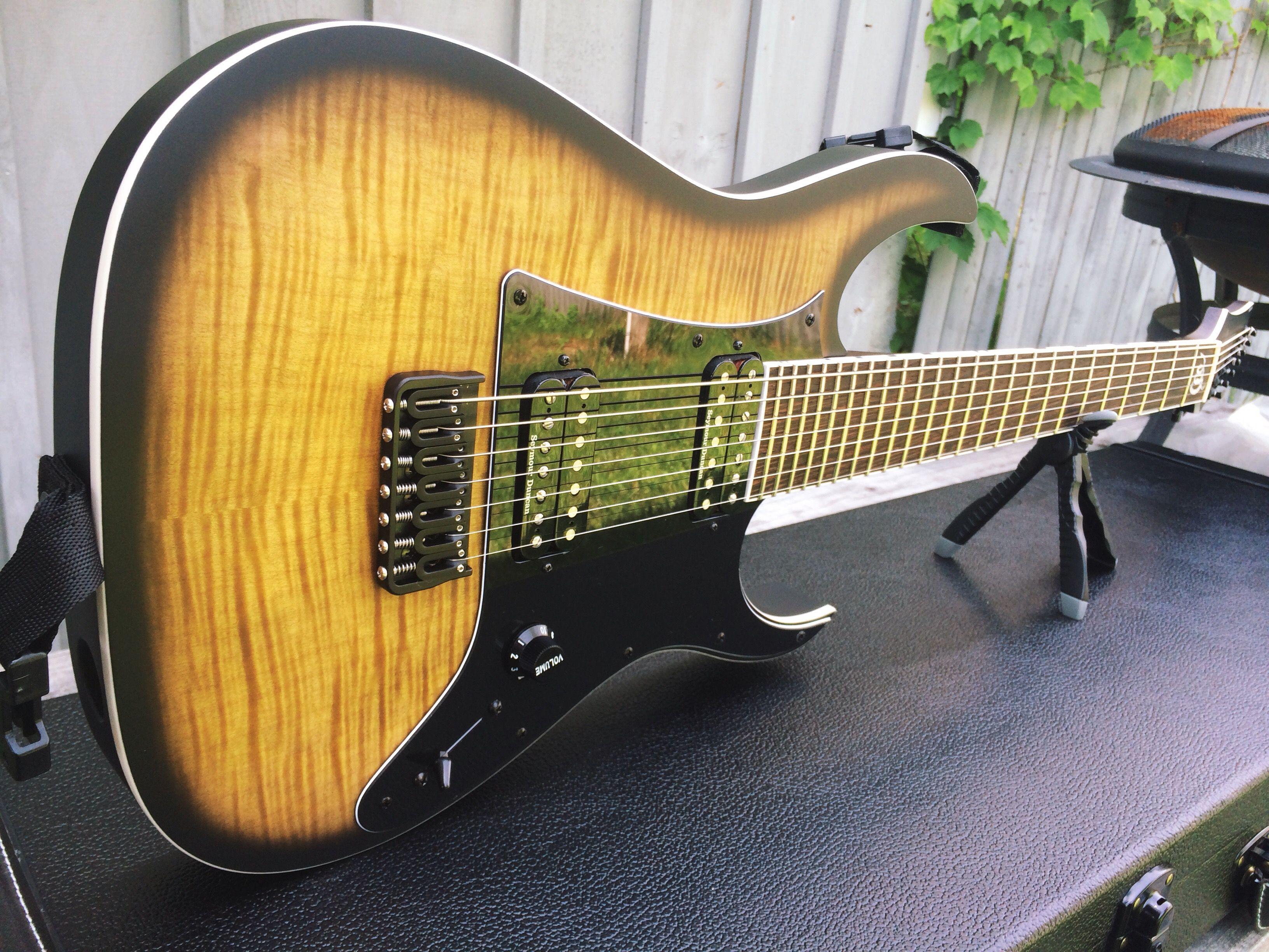 Pin Op Guitar