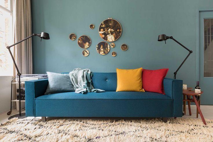Blaue Couch mit Marre und Jan aus Episode 2, Staffel 1 ...