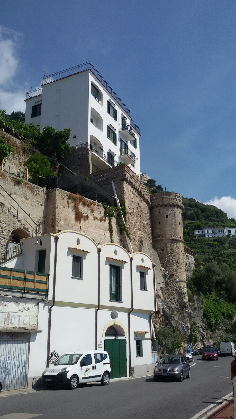 Torre lungo la Costiera Amalfitana