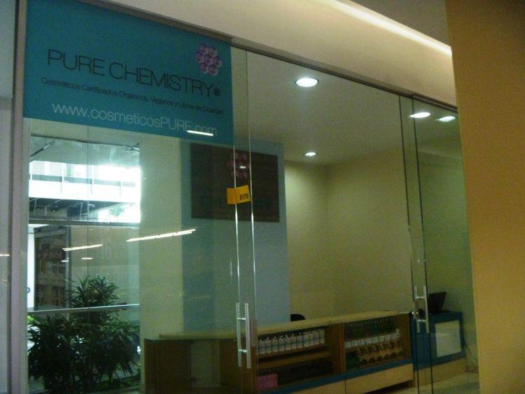 Pure Chemistry ShowroomEstamos estrenando Showroom  Visítanos, prueba y compra nuestros productos en en Centro Comercial Premium Plaza en Medellín