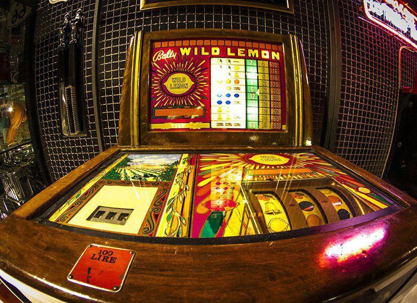 Slot Machine Bally Wild Lemon Manufacturing Co. Anno di