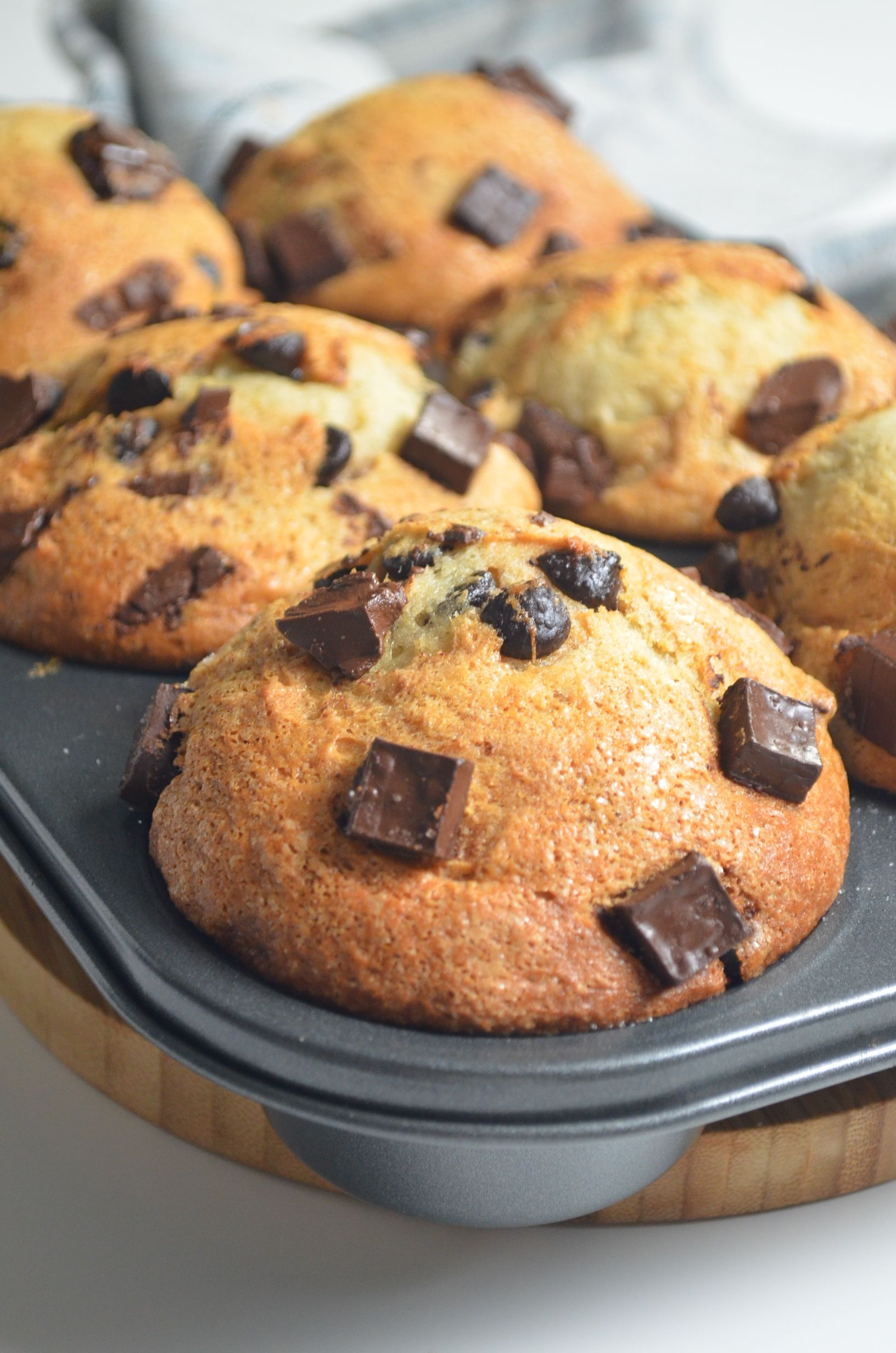 [VIDEO ]Bakery Style Jumbo Banana Chocolate Chip Muffin