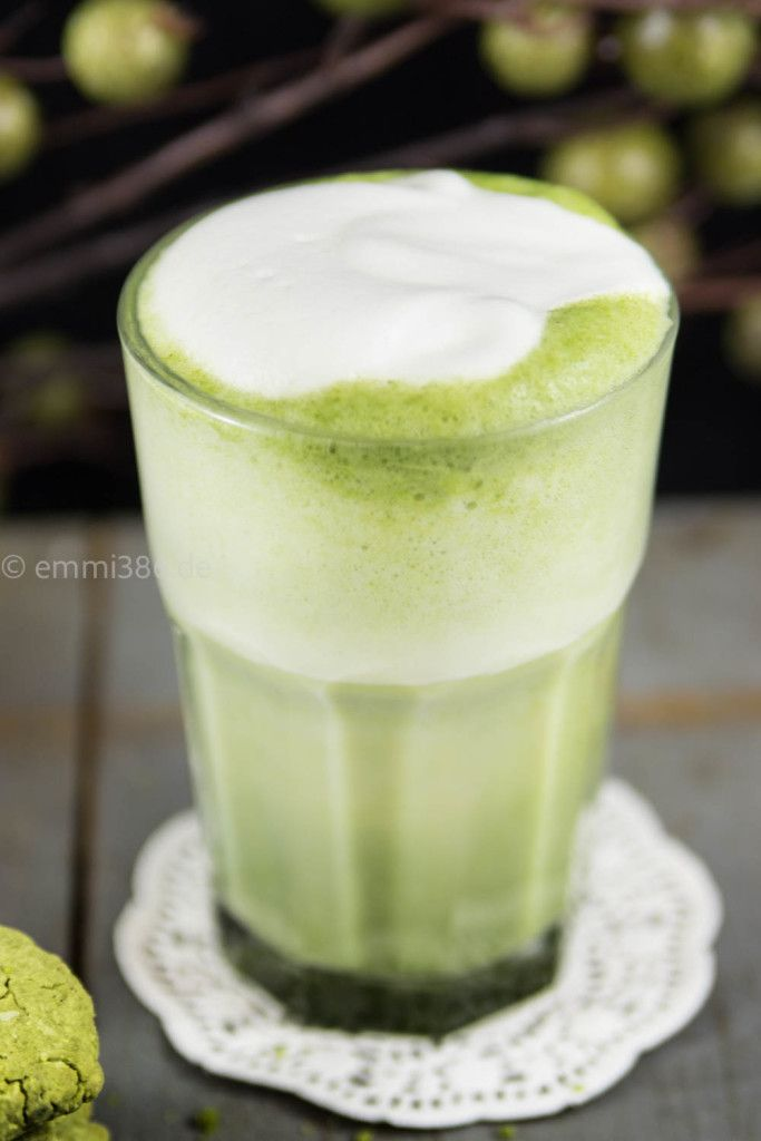 Yummy MATCHA LATTE! Recipe on our Blog beautystories #douglas #food #yummy #delicious #matchalatte #recipe
