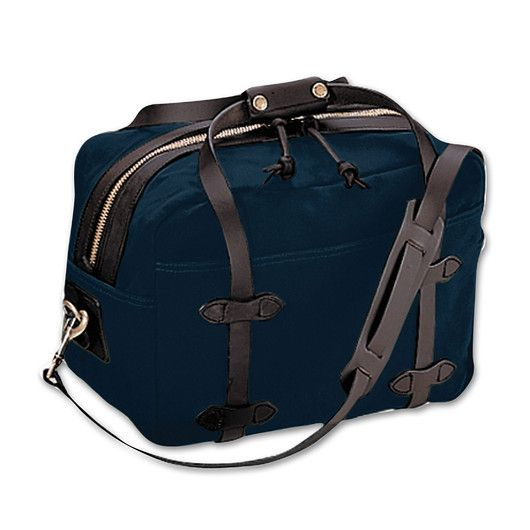 For Overnight or weekend trips // Filson Travel Bag-Medium in Navy ...