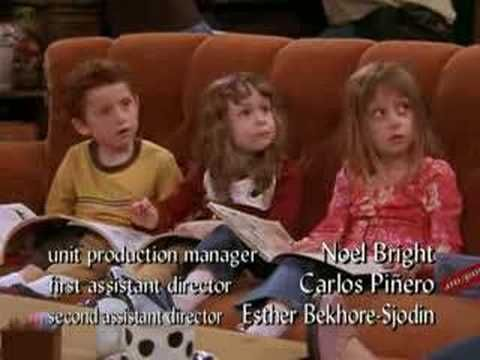 Chandler Scaring The Children Friends Tow Ross Is Fine