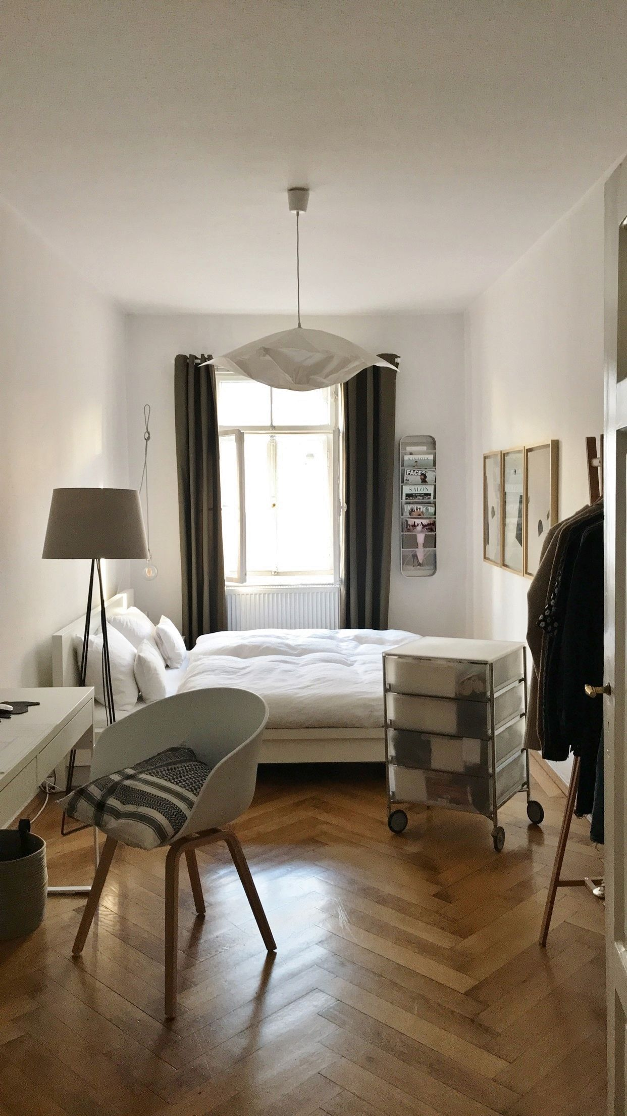 Nordic Vibes! Auch das Schlafzimmer von Alexandra Krüsi ist Skandi ...