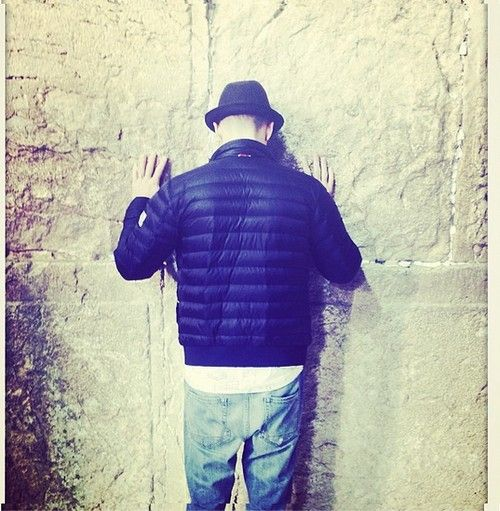 Justin Timberlake Sparks Controversy With Western Wall