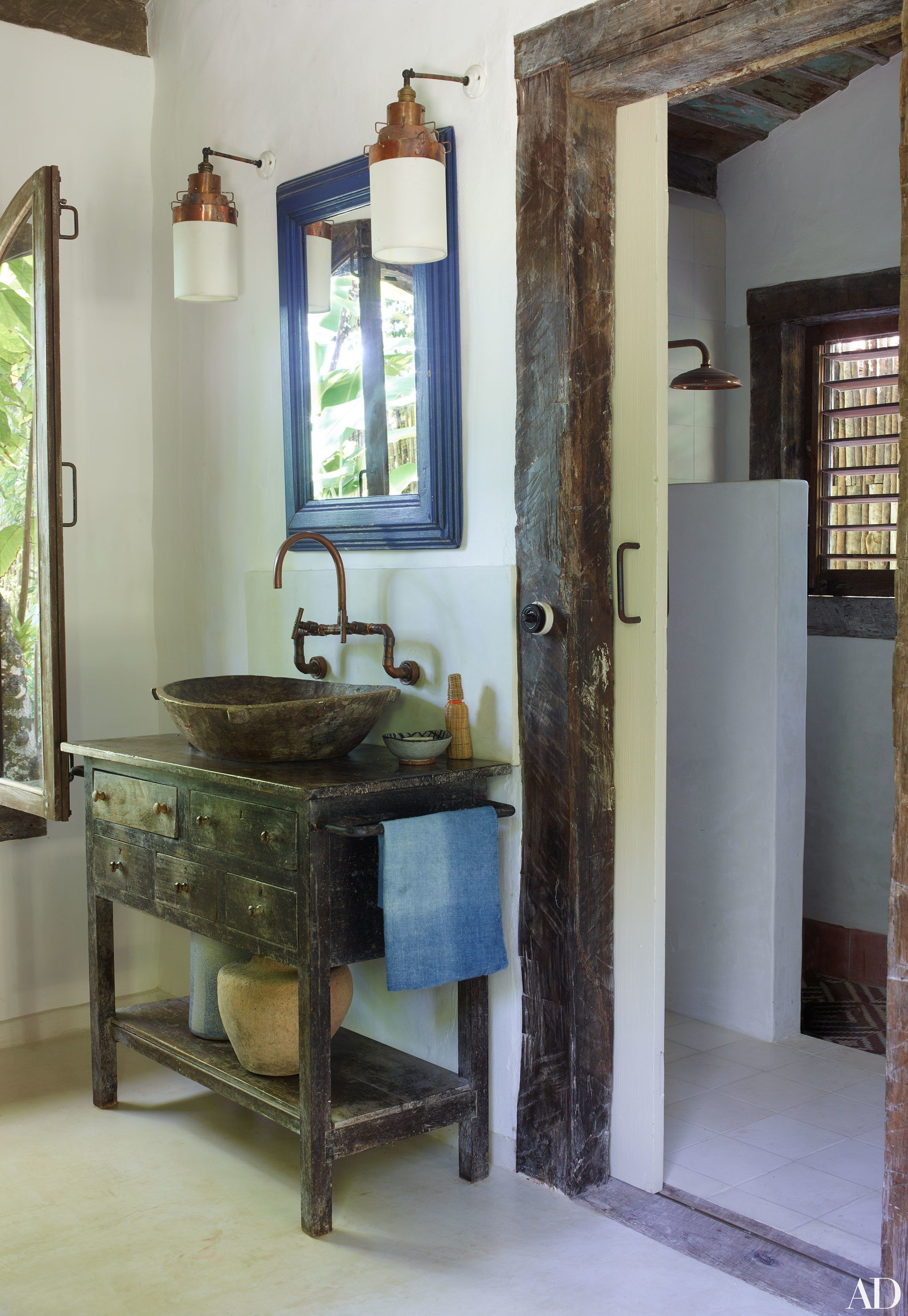 Anderson cooper s brazilian rest house is a vintage and rustic dream - Go Inside Anderson Cooper S Trancoso Brazil Vacation Home A Vintage Console