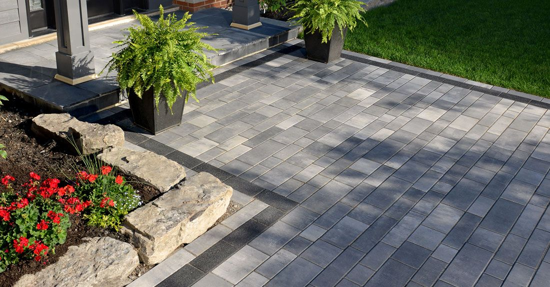 artline™ 3 color blend walkway with il campo® dark charcoal blend ... - Unilock Patio Designs