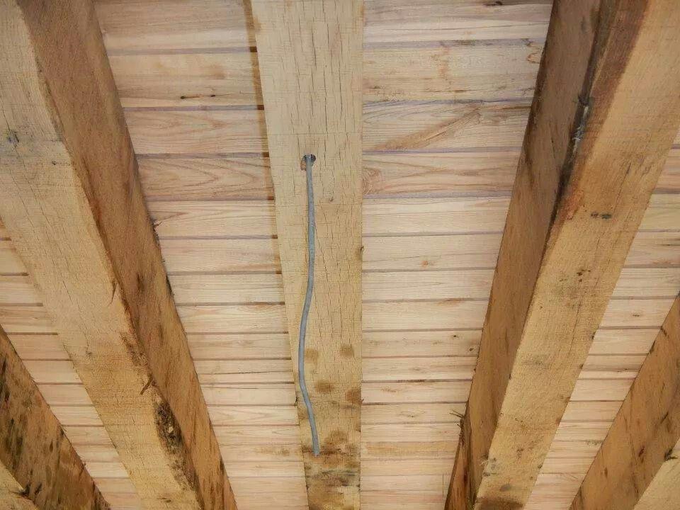 A Good Look At 5x10 Oak Floor Joists And Ash Ceiling Oak Floors Flooring Wood