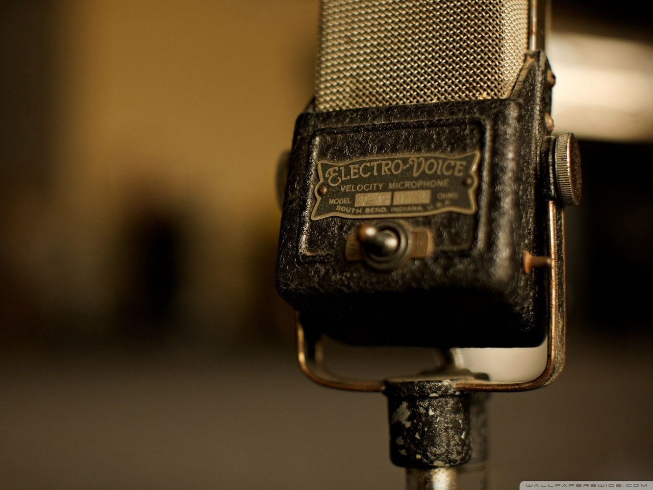 So Much Style 30s Microphones If They Could Only Talk