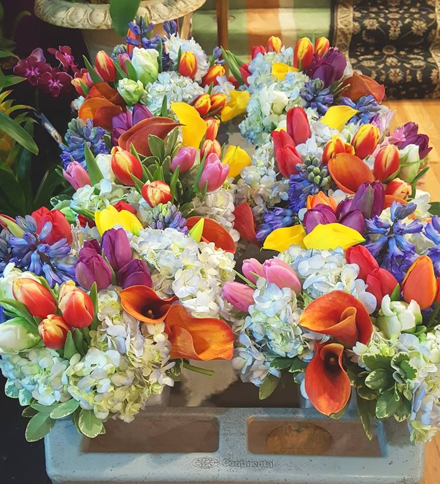 Beautiful Spring centerpieces from Topper's European