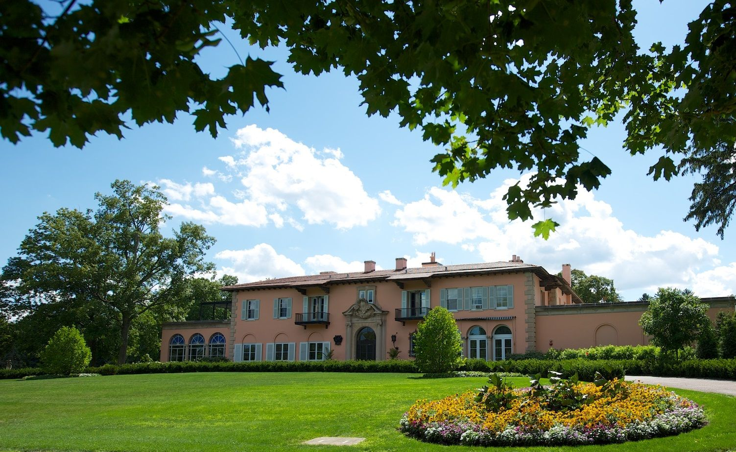 2ae311c3a73b44f3cdb8f228aaba9f47 - The Residences At The Cuneo Mansion And Gardens
