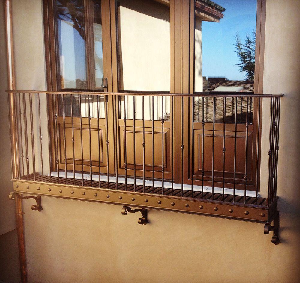 Juliet Balcony, Balcony Railing