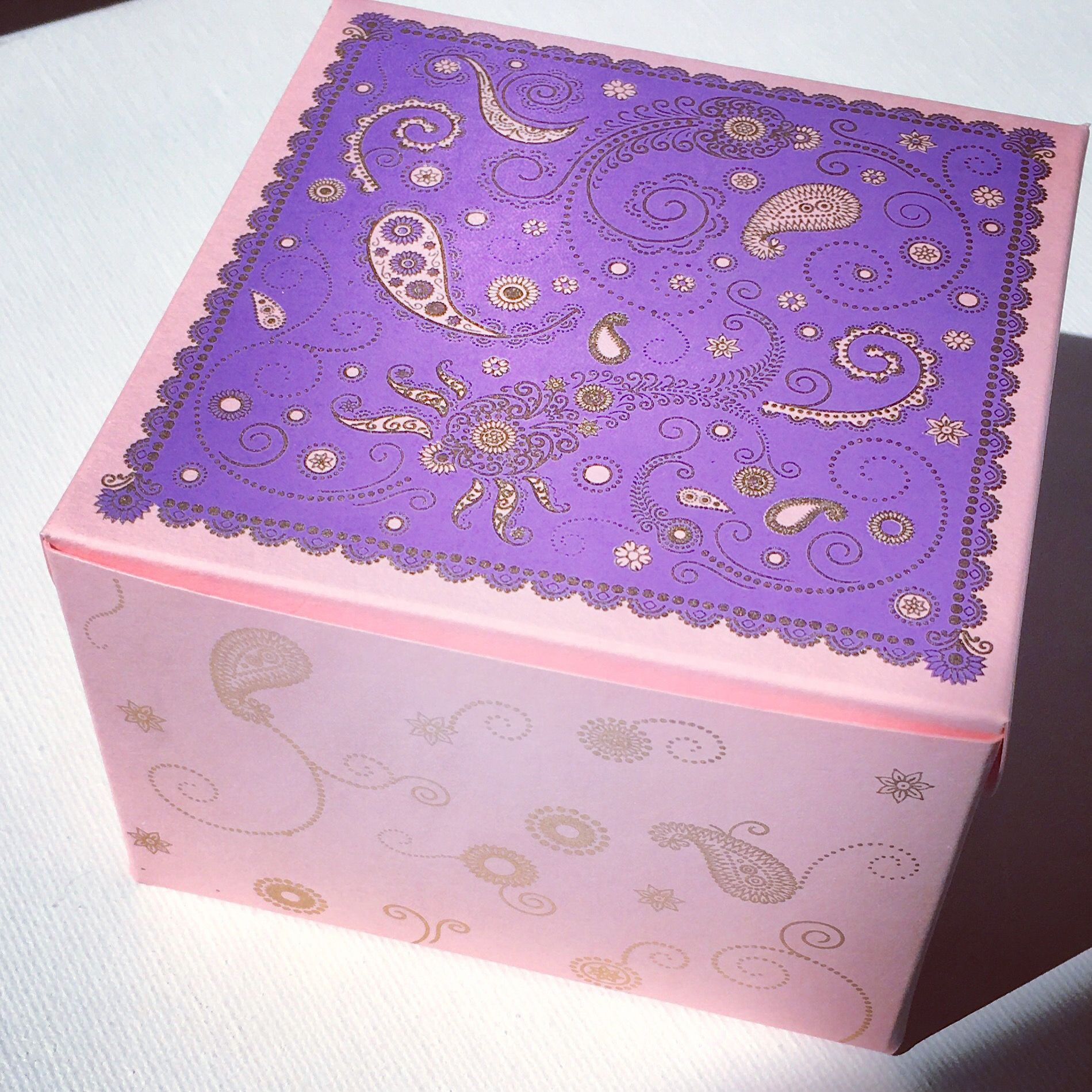 Holiday gift giving boxes- available in assorted colors. Perfect for ...