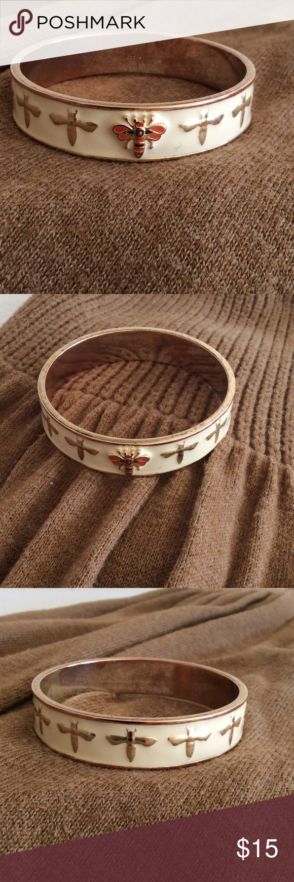 FOSSIL Vintage Bangle Bracelet FOSSIL Vintage Dragonfly Bangle Bracelet.  Exterior of Bracelet has little wear.  The interior and rim of bracelet is worn.  #fossil #vintage fossilbanglebraceket Fossil Jewelry Bracelets