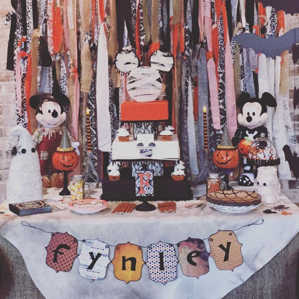 Mickey Mouse Halloween Birthday Party Ideas Photo 1 Of 53 Mickey Halloween Party Minnie Mouse Halloween Halloween Birthday
