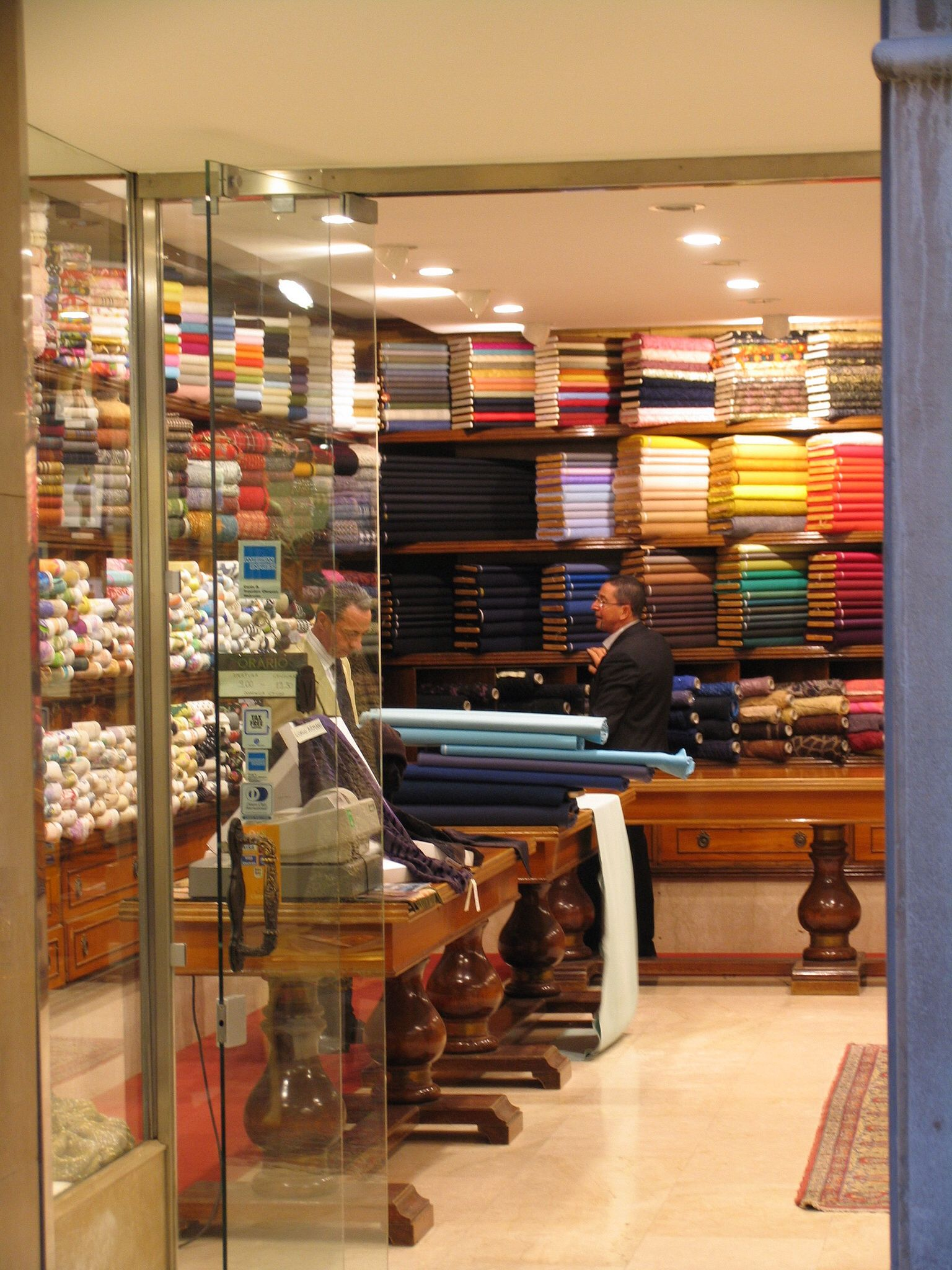 Venice Shop Fabric Installationfabric Shopstore Displaysdisplay Ideas Venicefabricsshop