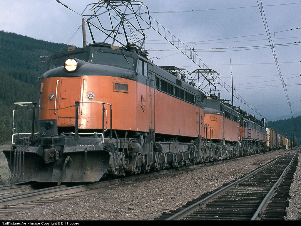 2ae537af5faf73dc59580492fb87a94a - Along the Milwaukee Road #3