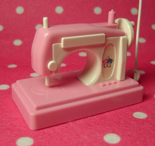 Kawaii Sanrio Vintage: Little Twin Stars Sewing Machine by HarapekoDoggyBag, via Flickr