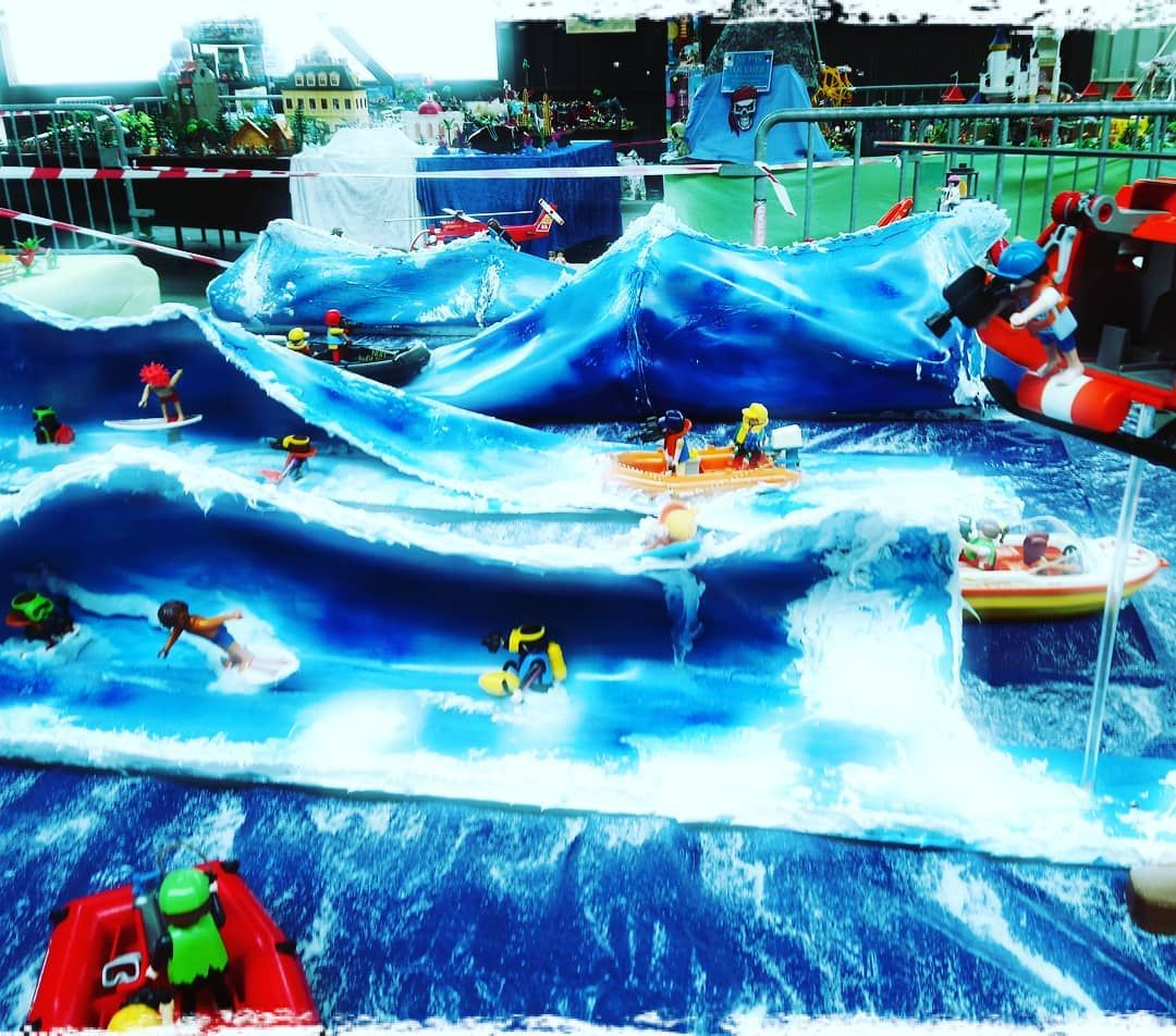 Nuit De La Glisse Magnetic Big Waves Nazare Playmobil Bigwaves Nuitdelaglissefilms Thierrydonard Surfing Ki Ocean Sports Kite Surfing Big Waves