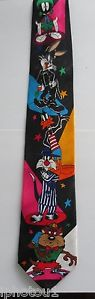Vintage 1993 Looney Tunes cartoon character necktie. FREE SHIPPING