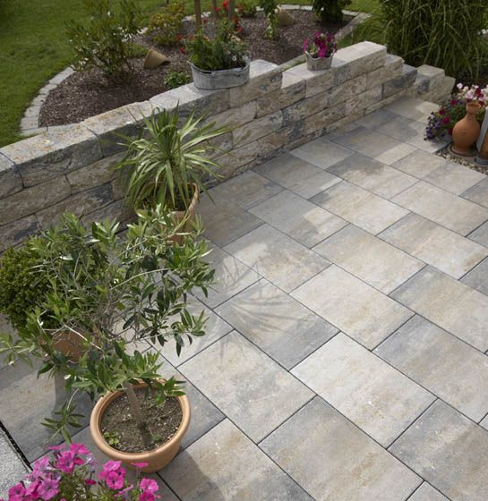 Photo of MultiTec-Color terrace stones nuanced in shell limestone