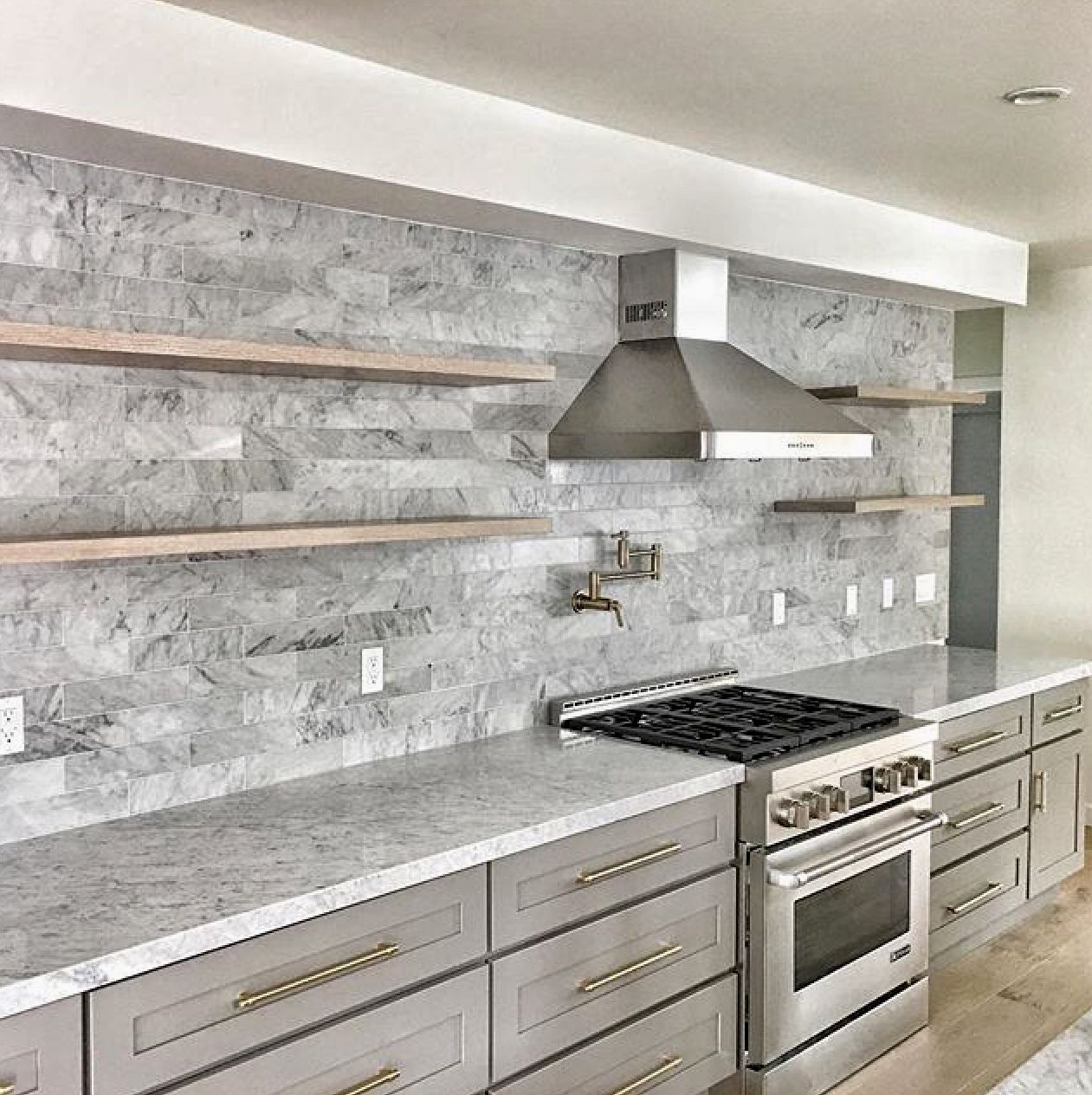 Zline 36 In Wall Mount Range Hood In Stainless Steel Kl3 36 Kitchen Backsplash Designs Kitchen Backsplash Trends Wood Shelves Kitchen
