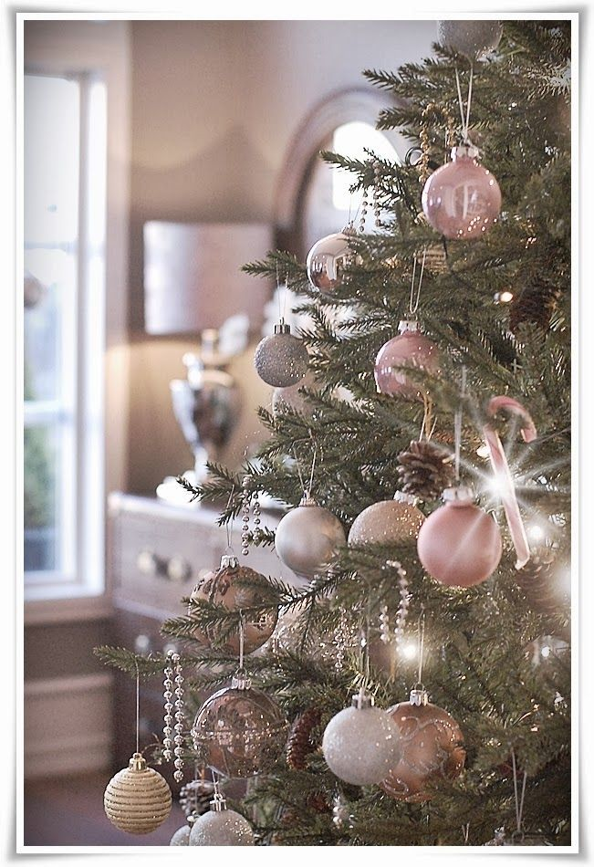 The Most Colorful And Sweet Christmas Trees And Decorations You Have Ever Seen Shabby Christmas Gold Christmas Tree Rose Gold Christmas
