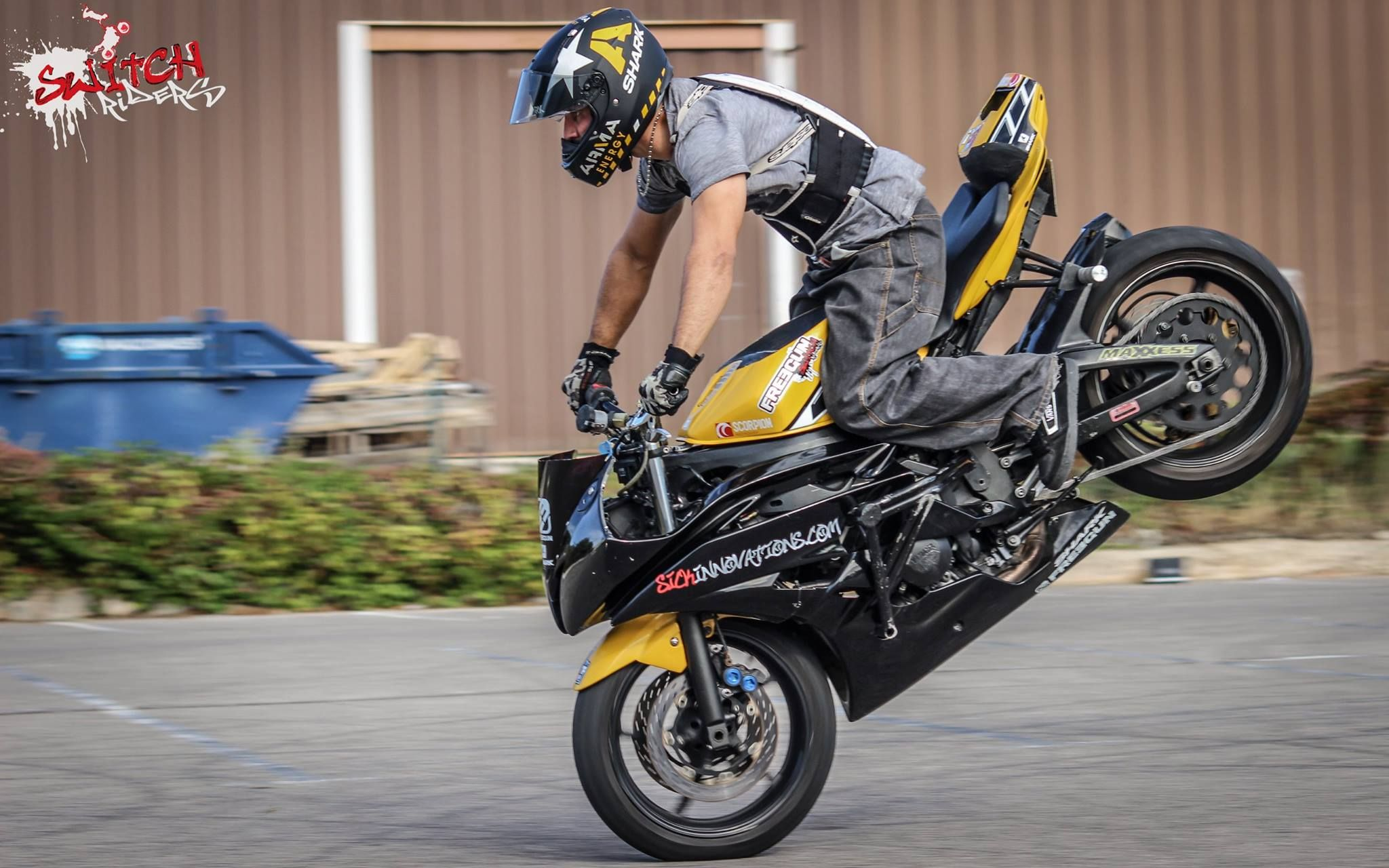 Yellow R6 Stunt bike Stoppie | Stunt Bike World | Stunt ...