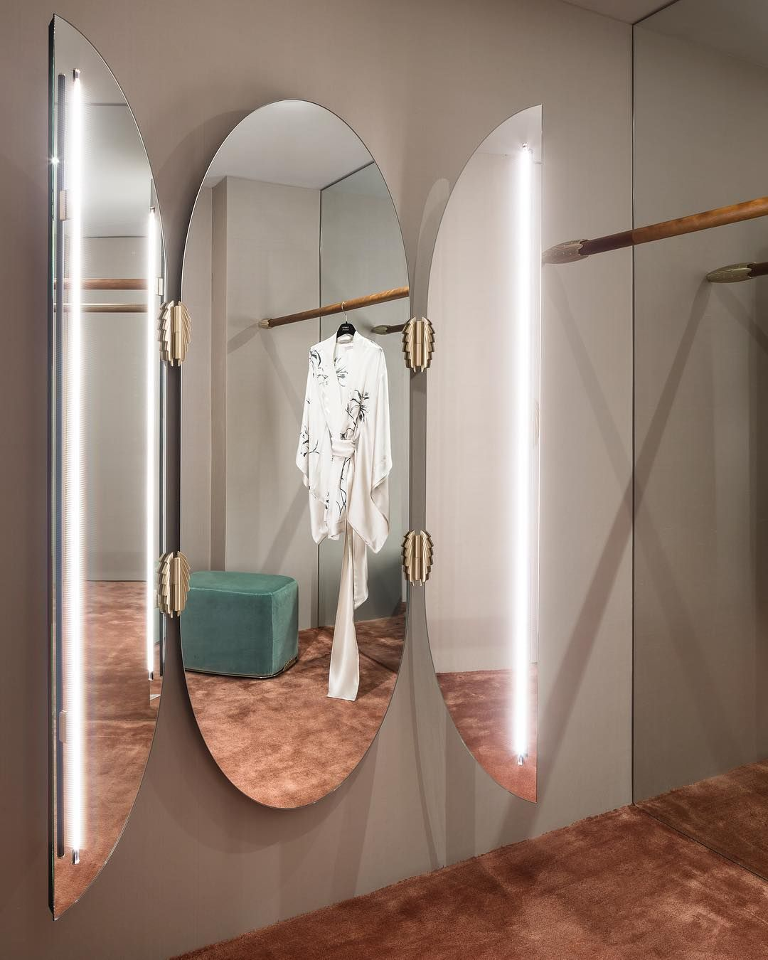 Le Triptyque Carine Gilson S Fitting Room Carinegilson Wic Vertical Lighting Mirror Mirror Mirror Designs Shop Interiors
