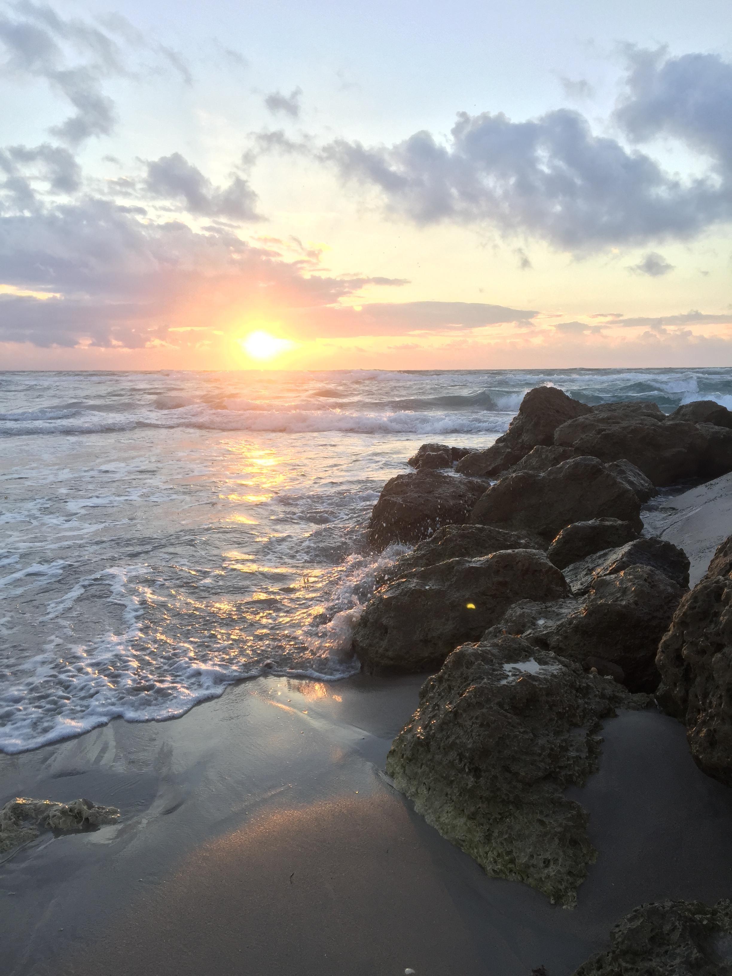 Sunrise In Palm Beach Florida 1920 X 1080 Oc Sunrise Photography Beach Sunrise Beach Beautiful Landscapes