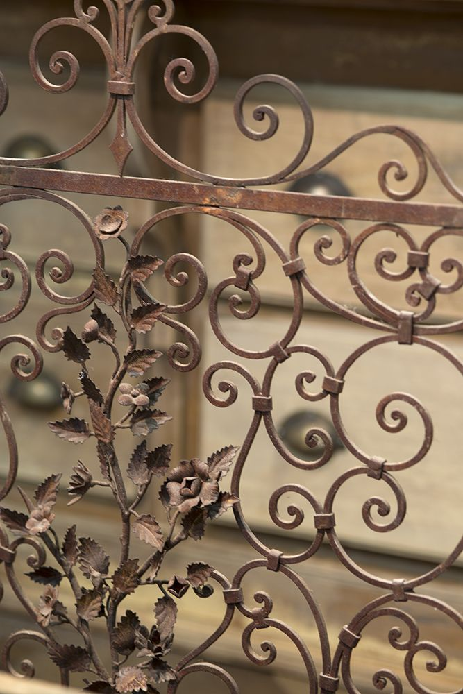 An Antique English Wrought Iron Gate At Decorativefair Floral