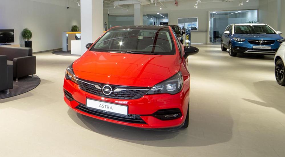 أوبل تفتتح صالة عرض جديدة وعصرية على شارع الشيخ زايد في دبي موقع ويلز Opel Car Vehicles