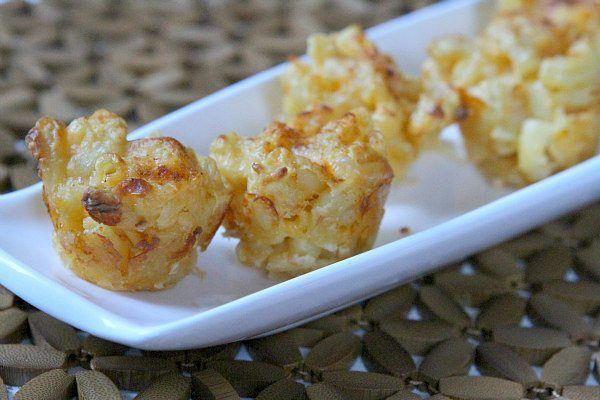 Mini Macaroni and Cheese Appetizers recipe from RecipeGirl.com : mac and cheese appetizer : #mini #macaroni #macandcheese #and #cheese #mac #macncheese #appetizer #appetizers #baked #recipe #RecipeGirl #hordervesappetizers