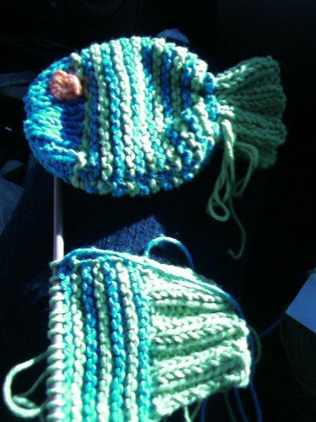 Knit fishy washcloth/soap saver | Knitting, Knitting ...
