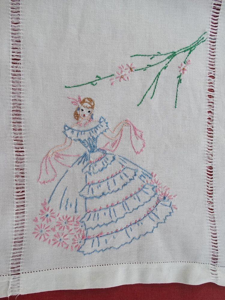 Vintage Hand Embroidered Southern Belle Dresser Scarf / Runner ...