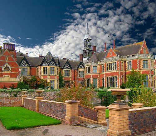Madresfield Court English Manor Houses Historic Homes Stately Home