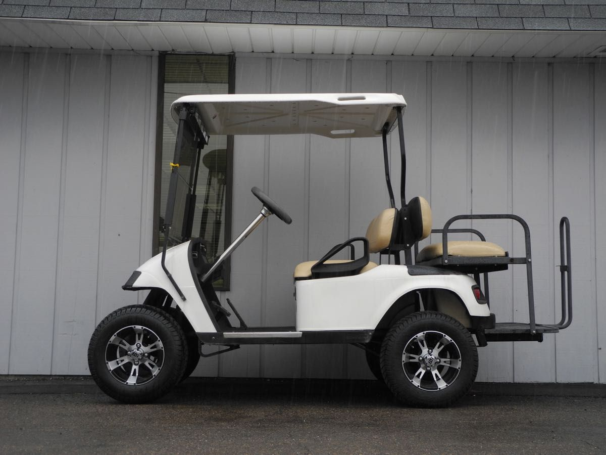 This 2001 E Z Go Pds Electric Is Equipped With A 4 Inch Lift 12 Inch Aluminum Wheels 22 Inch Dot Tires Deluxe L Golf Car Golf Cart Batteries Used Golf Carts