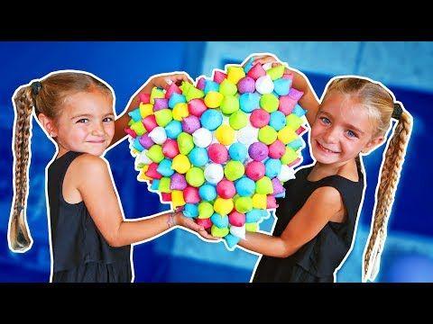 Bad Baby Comiendo Piruletas De Caramelo Gigantes Ratitas Pandilleras Youtube Fantasmas De Halloween Caramelo Gigante Citas De Baile