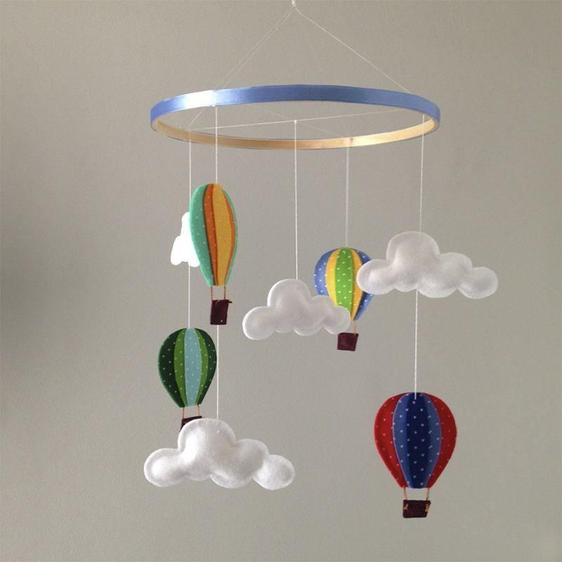 mobile de ber o infantil nuvem baloes cha caue mobiles basteln mit filz e basteln. Black Bedroom Furniture Sets. Home Design Ideas