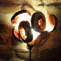 Lampe en métal et abat jour en bois de récupération