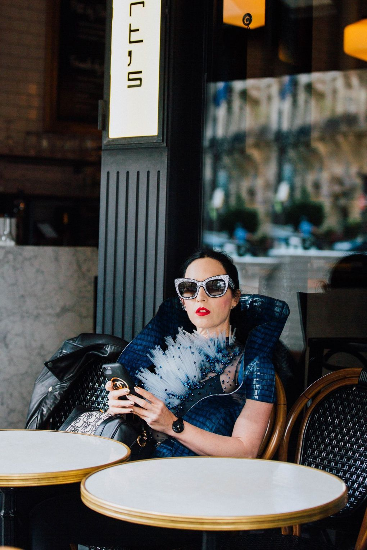 58b6ed1154 Aspecto De Calle, Vestido De Plumas, Moda De París, Confección De Vestido,