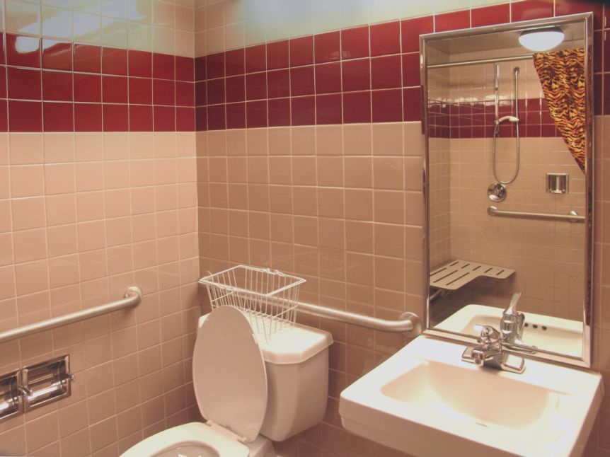 Bathroom Design Ideas And Tips: Small Handicap Bathroom Designs #WheelchairBathrooms