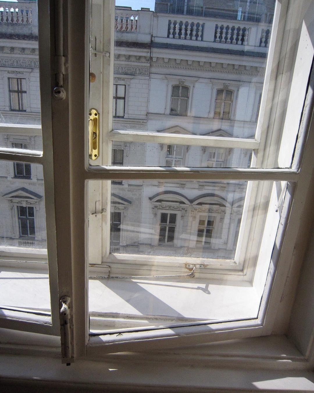 段ボール 窓 ガラス
