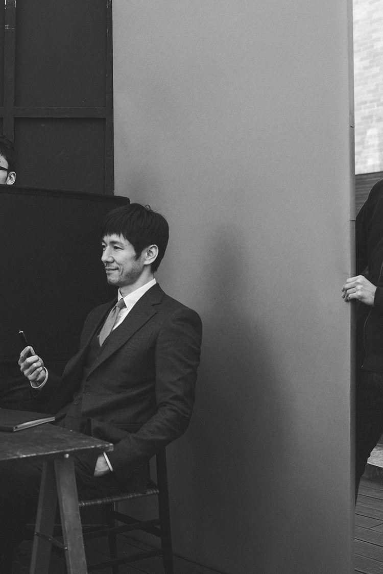 33491fad5b503 ジョルジオ・アルマーニが自分のスーツを着せたかった男、俳優・西島秀俊 ...